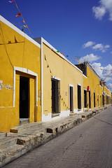 Izmal, Yucatán, Mexico (Loïc BROHARD) Tags: mexico izamal yucatan colour color colours colors colouful colorful street america