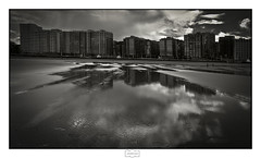 Reflejo/ Reflection (Jose Antonio. 62) Tags: spain españa asturias gijón playa beach elmuro reflection reflejo buildings edificios clouds nubes city ciudad bw blancoynegro blackandwhite
