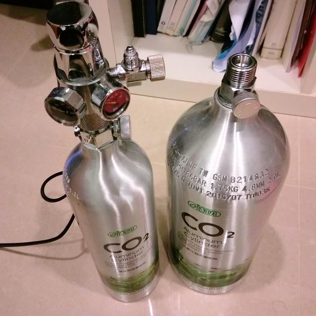 CO2高壓鋁瓶2L灌氣心得分享(氣體行真心不騙)