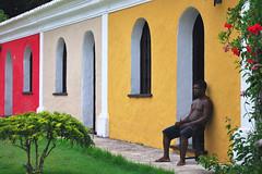Chilling (Márcia Valle) Tags: chilling portoseguro bahia casas arquiteturabrasileira brazilianarchitecture houses man homem brasil brazil márciavalle nikon