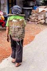Na nákup i na pole (zcesty) Tags: laos2 domorodci phongsali laos dosvěta phôngsali phongsalyprovince la