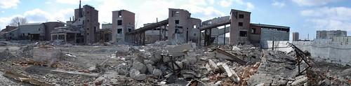Демонтаж дробильной фабрики Шарташского карьера ©  ayampolsky