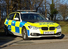 5957 - Cheshire Police - DK66  ACV - 101_1280 (Call the Cops 999) Tags: uk gb united kingdom great britain england 112 999 emergency service services vehicle vehicles 101 police policing constabulary law and order enforcement cheshire bmw 330d xdrive rpu road roads unit motorway patrol car tourer touring estate knutsford dk66 acv