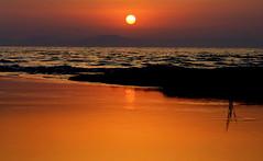 Glowing Sun over the Ionian sea (ᙢᗩᖇᓰᗩ ☼ Xᕮᘉ〇Ụ) Tags: θαλασσα ουρανοσ ηλιοσ στιγμεσ sea sky water sun sonne himmel wasser griechenland greece ελλασ ελλαδα westpeloponnese westpeloponnes ᙢᗩᖇᓰᗩ☼xᕮᘉ〇ụ