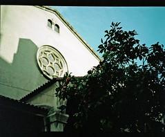 0253_30-01-2018_Fuji GS645S expired 02-2008 Kodak Portra 160VC_Barcelona_813 (nefotografas) Tags: fujigs645s expired 022008 kodakportra 160vc weekend trip barcelona catalunia analoguephotography istillusefilm istillshootonfilm