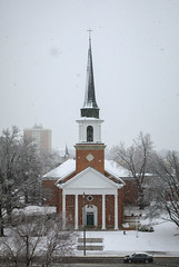 March Snow (Notley Hawkins) Tags: httpwwwnotleyhawkinscom notleyhawkinsphotography notley notleyhawkins 10thavenue church broadway march snow snowflakes 2018 firstbaptistchurch columbia missouri downtowncolumbiamissouri downtown architecture snowday facade