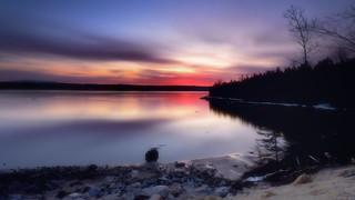Lever du jour sur la rivière Saguenay