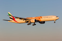 A6-EPO Boeing 777-31H(ER) Emirates (Andreas Eriksson - VstPic) Tags: emirates 155 from dubai a6epo boeing 77731her
