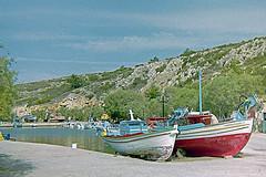 chios ,bootjes aan de kant (annelies_visser) Tags: chios greece griekenland boats boten outside