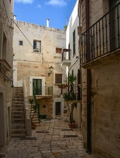 Un vicolo in Puglia