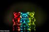 Im Scheinwerferlicht (Günter Hentschel) Tags: scheinwerfer scheinwerferlicht tvsimulator versuche versuch verrücktebilder dieanderenbilder malwasanderes 118 glasbären hentschel flickr indoor deutschland germany germania alemania allemagne europa nrw nikon nikond5500 d5500