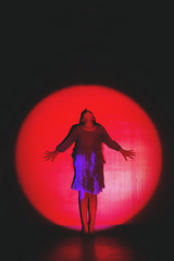 Simple Kingdom {2} (dewframe) Tags: girl dancer lighting emotive artisticsoul ballerina storyindance bodylanguage sentimental dream spotlight