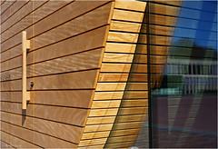 Lines (Hindrik S) Tags: obe lânfantaal wood hout holz reflection reflectie refleksje wjerspegeling weerspiegeling deur tür doar door blue lines focus sonyphotographing sony sony1650mmf28dtssm sal1650 2018 a57 α57 slta57