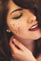 (Lorenaiiz ♥) Tags: portrait 50mm canon girl self love beautiful glitter selfportrait