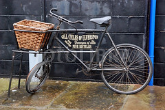 FOT480611 (therecycledbicycle) Tags: delivery bicycle cycle dilapidated cycling ulverston cumbria england europe wicker basket unridable ipsv2896