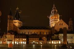 Mainzer Dom@Mainz_01 (Ripple design) Tags: citylights sony α7rⅱ ilce7rm2 50mm planar f2 mainz lighting zeiss
