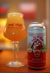 """Masthead's Fruit Blood. A """"Double Smoothie IPA"""" with mango, pink guava and lactose. Cloudy, hoppy, tasty. (celisale) Tags: milkshakeipa fruitbeer hops neipa craftbeer"""