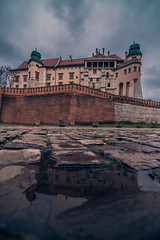 Wawel castle reflected (Vagelis Pikoulas) Tags: wawel castle krakow poland europe travel photography landscape city cityscape reflection reflections water rain canon 6d tokina 1628mm autumn holidays 2017 november