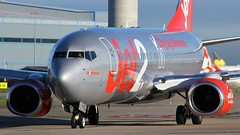 G-GDFY (AnDyMHoLdEn) Tags: jet2 737 egcc airport manchester manchesterairport 23l