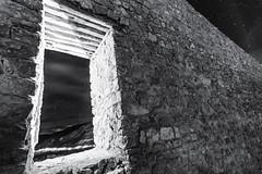 Albarracin2018-108 (profesorxproyect) Tags: d7100 nikon nocturna night albarracín spain startlight teruel españa montaña mountain sierra paisaje landscape byn bw blackandwhite blancoynegro bn muro wall románico