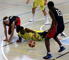 AW3Z4659_R.Varadi_R.Varadi (Robi33) Tags: action ball ballsports basketball birstalstarwings birsfelden duel fan matchchampionship regio game sports referee switzerland team viewers