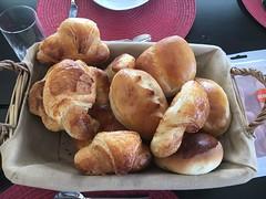 What's for breakfast? (Creusaz) Tags: food nourriture breakfast ballons croissants pain petit lait