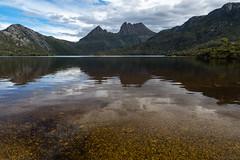 Cradle Mountain reflection (Ralph Green) Tags: australia cradlemountain dovelake tasmania clouds lake landscape mountains pebbles reflections stones water