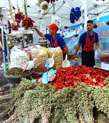 Mercato Europeo - Piacenza (Aellevì) Tags: bancarella due spezie origano pomodorisecchi aglio