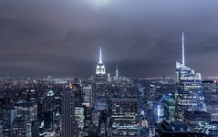 Beautiful view from Top of the rock - NYC (T|Le) Tags: lowiso longexposure worldtradecenter wtc buildings skyljne city skyline nightphotography d750 nikon sigmaart 35mm sigma manhattan newyorkcity nyc topoftheworld observationdeck topoftherock rockefellercenter inspired by love inspiredbylove