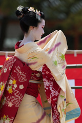 Beauty (byzanceblue) Tags: 京都 gion maiko japan kyoto japanese dance woman girl female cute lovely beautiful beauty 舞妓 舞踊 geisha kimono traditional geiko kanzashi formal 祇園 black 花街 white color colour flower nikkor background people photo d850 portrait professional lady lovery 芸妓 着物 bokeh 節分 red traditonal 平安神宮 奉納舞 姫三社 祇園小唄 tomoko nishimura 西村 祇園甲部