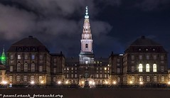 *COPENHAVEN PALACE AT NIGHT* Für more checkout my Homepage: www.fotosucht.org Or Follow me on Instagram #pawelsfotosucht @pawels_fotosucht #kopenhagen #københavn #copenhagen #palace #christansborgpalace #christiansborg #nacht #night #outside #gebäude #bui (pawel.osuch_photography) Tags: instagram