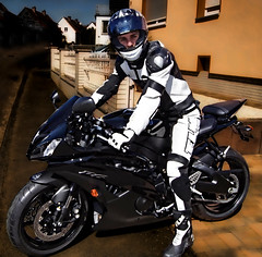 YAMAHA guy (driver Photographer) Tags: 摩托车,皮革,川崎,雅马哈,杜卡迪,本田,艾普瑞利亚,铃木, オートバイ、革、川崎、ヤマハ、ドゥカティ、ホンダ、アプリリア、スズキ、 aprilia cagiva honda kawasaki husqvarna ktm simson suzuki yamaha ducati daytona buell motoguzzi triumph bmw driver motorcycle leathers dainese motorrad