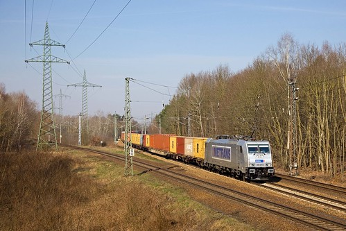 Metrans 386 004 + containertrein 43313 Hamburg - Praha  - Potsdam Wildpark West