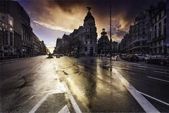 Edificio Metrópolis de Madrid (Miguel Ángel Giménez-Murcianico) Tags: madrid edificiometrópolis atardecer nightshot filtros filter haida granviamadrid hitech nd