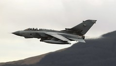TORNADO (Dafydd RJ Phillips) Tags: tornado gr4 mach loop raf marham royal air force low lwvel tonka snowdonia machloop canoneos7d ef300 f28 canon
