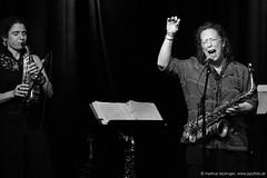 Jessica Lurie: sax, voc / Amy Denio: sax, cl, voc (jazzfoto.at) Tags: wwwjazzfotoat wwwjazzitat jazzitsalzburg jazzitmusikclubsalzburg jazzitmusikclub jazzfoto jazzfotos jazzphoto jazzphotos markuslackinger jazzinsalzburg jazzclubsalzburg jazzkellersalzburg jazzclub jazzkeller jazzit2018 jazz jazzsalzburg jazzlive livejazz konzertfoto konzertfotos concertphoto liveinconcert stagephoto greatjazzvenue greatjazzvenue2018 downbeatgreatjazzvenue salzburg salisburgo salzbourg salzburgo austria autriche blitzlos ohneblitz noflash withoutflash concert konzert concerto concierto sw bw schwarzweiss blackandwhite blackwhite noirblanc bianconero biancoenero blancoynegro zwartwit sony sonyalpha sonyalpha77 alpha77 sonya77 pretoebranco