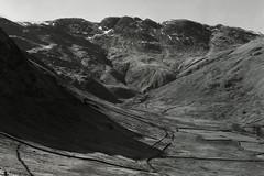 Oxendale (mattwells1986) Tags: sinar f1 rodenstock sinaron 210mm f56 ilford fp4 4x5 largeformat film ilfosol ilfosol3 crinklecrags oxendale langdale greatlangdale valley mountain hill fell dale lakedistrict lakes snow winter landscape nationalpark mod54 epson v700