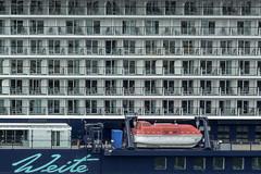 Weite - vastness (e-box 65) Tags: kiel schleswigholstein deutschland de weite vast meer sea ship cruise window balcony d7200 18 105