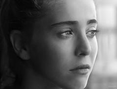 Despertando a los dias (Soledad Bezanilla) Tags: portrait despertando awakening dia days instantes momentos luz light arte art soledadbezanilla vida life fotografia photography canoneos7d lowkey profundidaddecampo