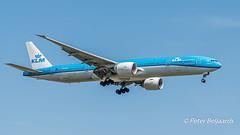 PH-BVR   Boeing 777-300 - KLM Royal Dutch Airlines (Peter Beljaards) Tags: phbvr boeing777300 boeing777 777 t7 klm flyingdutchman aviationphotography gunungmulunationalpark nationaalparkgunungmulu final landing ams eham nikond5500