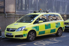 LJ57 UUC (JKEmergencyPics) Tags: las london ambulance medical emergency service vehicle vauxhall rapid response single responder paramedic waterloo headquarters zafira car road lj57 uuc lj57uuc