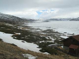 Strandavatnet, view on Hallingskarvet