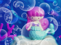 Life is the Bubbles, Under the Sea ♀️ (Jam-Gloom) Tags: olympus olympusuk olympusomdem5 olympusomd omdem5 macro 60mmmacro 60mm28 60mmmacro28 miniature miniatures pollypocket cosme mylittlefairy twinklepact rement rementmylittlefairy fairykei kawaii cute japanesetoys japanesetoy compacthouse