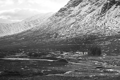 Lagangarbh Hut Below Buachaille Etive Mor (d1939m) Tags: europe scotland uk landscape travel blackandwhite bw monochrome buachailleetivemor ballachulish ballachulishslate horizontal countryside cloudy nature leisure snow tourism lonely lonesome highland mountain river secluded altnafeadh lochaber sct