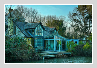WATERFRONT PROPERTY ALONG THE BUDE CANAL