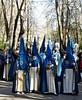sábado santo (1) (canecrabe) Tags: alhambra bois jardin pénitent cofradia confrérie bleu cruzdeguía an