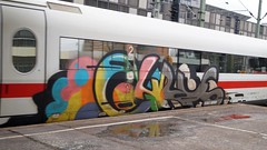 Graffiti (Honig&Teer) Tags: graffiti germany honigteer hannover db deutschebahn spraycanart streetart steel art aerosolart eisenbahngraffiti eisenbahn railroad railroadgraffiti train treno trein traingraffiti trainspotting trainart urbanart panel bombing benching vandalismus trainwriting cyrus