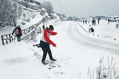 Sports de bords de mer (Laurent Pelleray) Tags: biarritz neige snow winter hiver nikon incroyable rare unbelievable white dxo bask country pays basque euskadi kostaldea flakes flocons unique