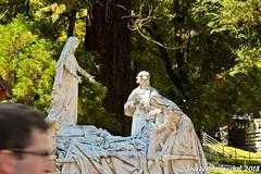 Lourdes 257-A (José María Gil Puchol) Tags: aquitaine basilique boutique catholique cathédrale cierge eaumiraculeuse fidèle france josémariagilpuchol lourdes paysbasque prière pélèrinage religion sculpture