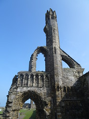 St Andrews Cathedral, 2018 Apr 15 -- photo 2 (Dunnock_D) Tags: uk unitedkingdom britain scotland fife standrews unedited blue sky green grass cathedral ruins